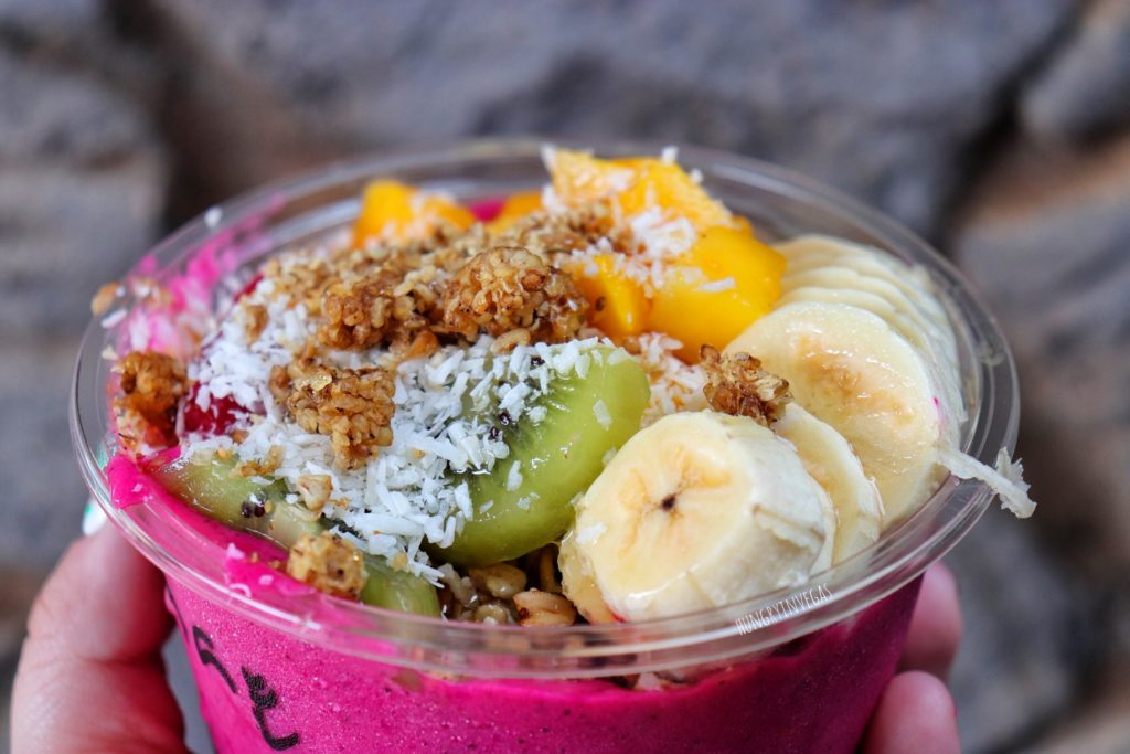Anake's juice bar pitaya bowl